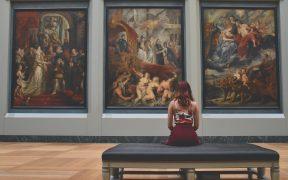 prehliadky v múzeách a galériách